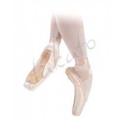 Sansha Ovation pointe shoes with leather toe tips