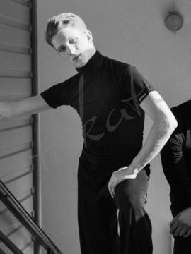 Koszulka męska treningowa z golfem - krótki rękaw